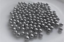stříbrná lesk 4mm