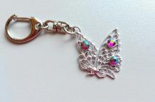 Klíčenka 004 motýl fuchsia AB